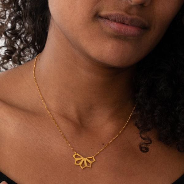Blüte Geometrie Halskette gold model