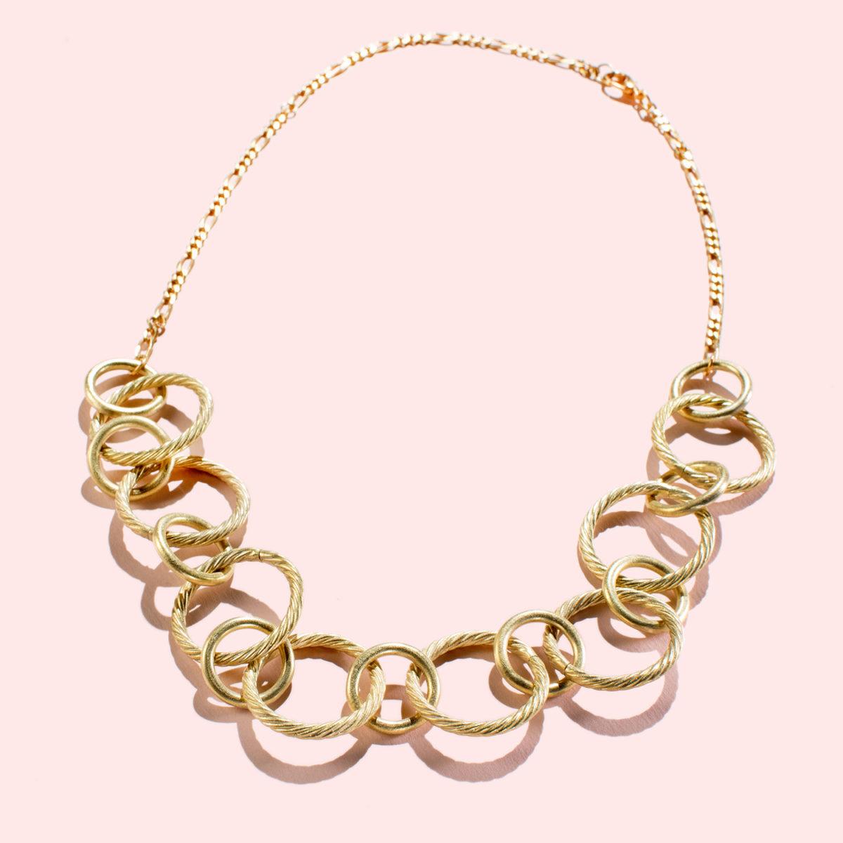 Vesperia-Halskette-Gold-Statement