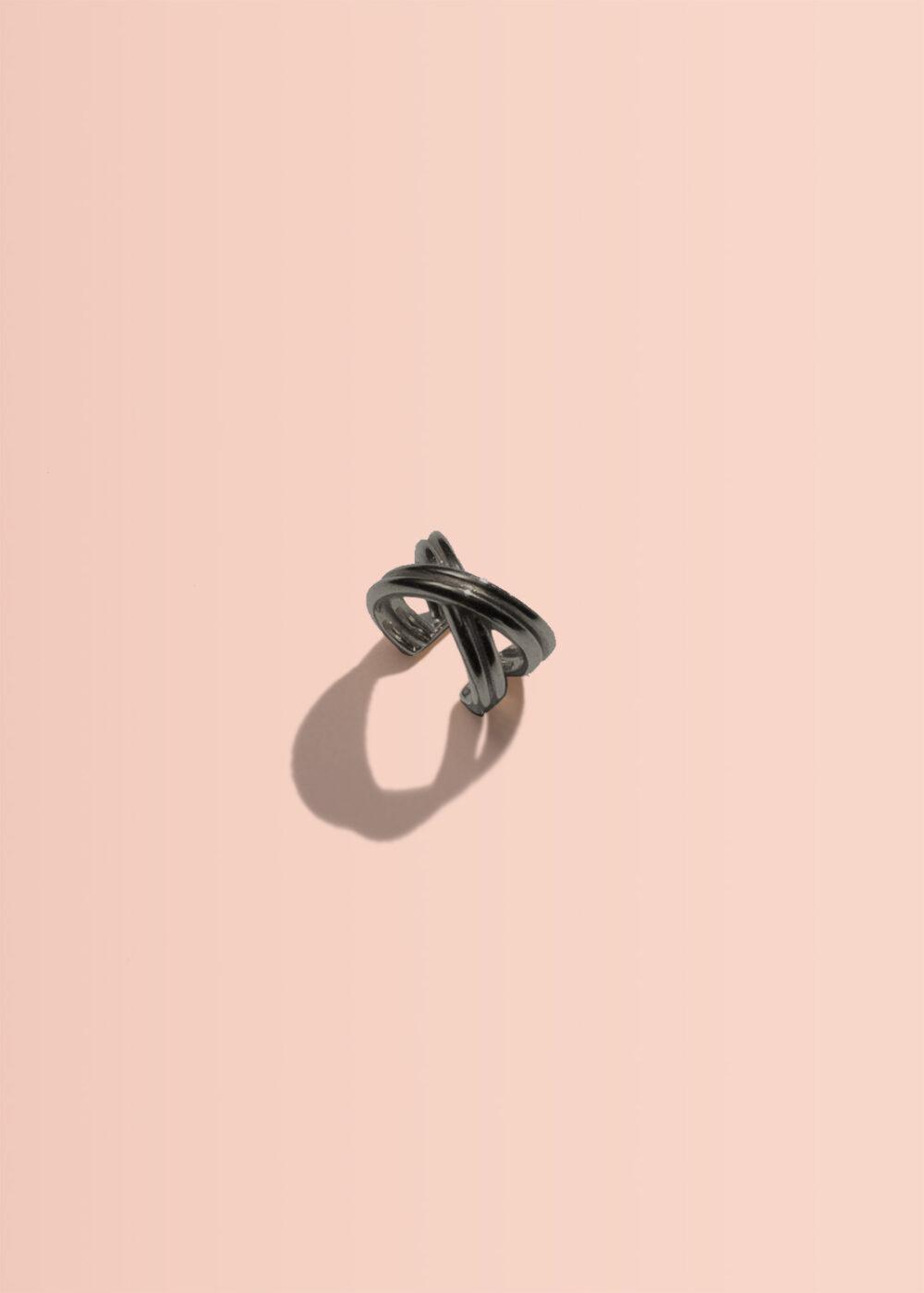 Ioanna-earcuff-schwarz-rhodiniert