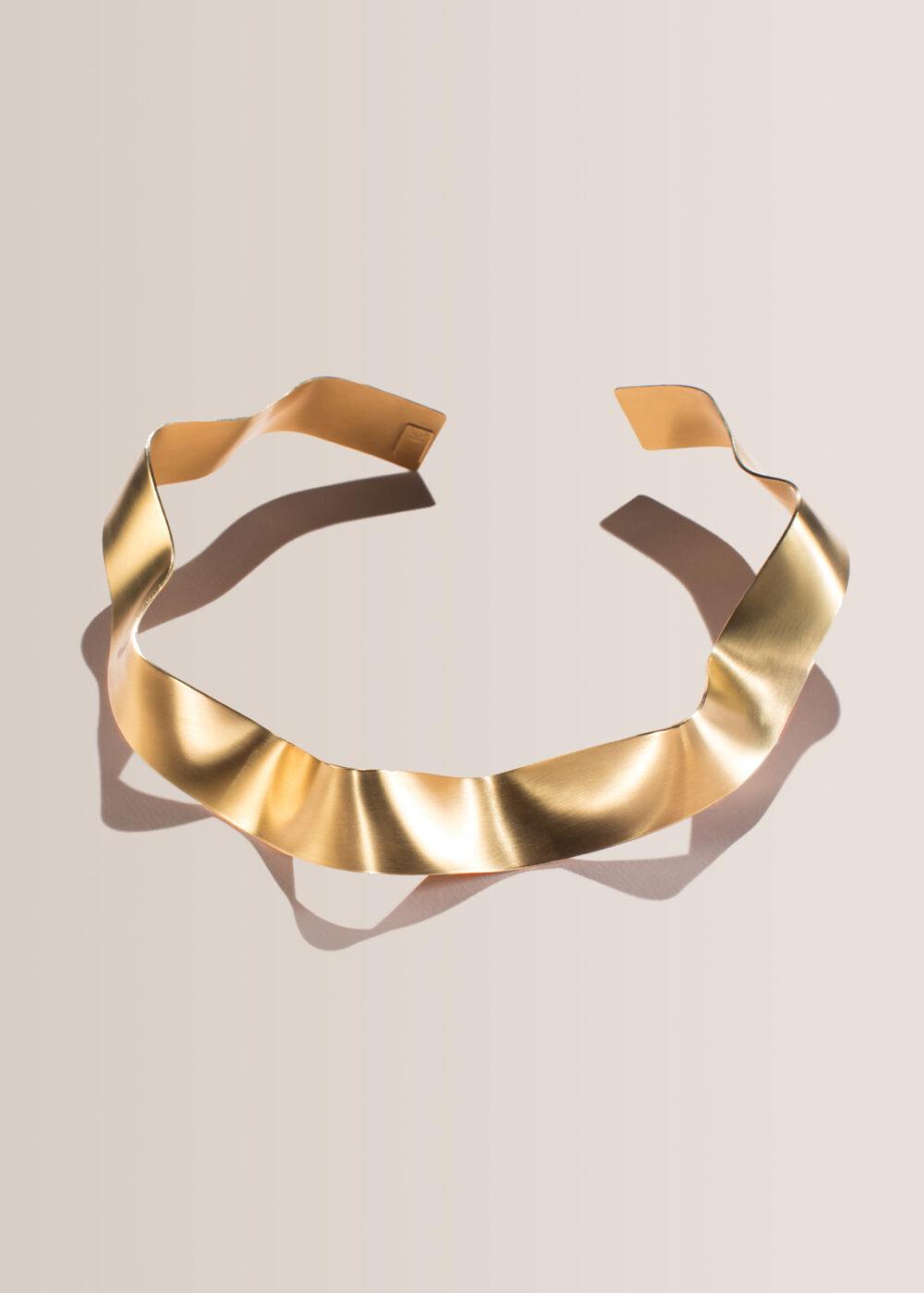 Hera-Halskette-gold-collier-matt