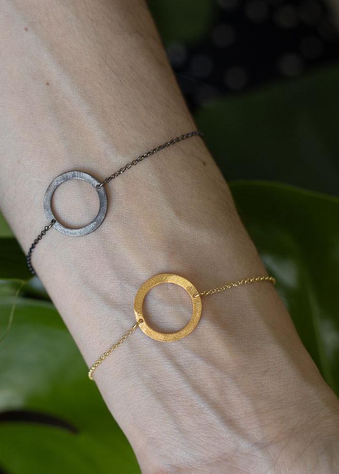 Cira-Armband-gold-Kreis-Model