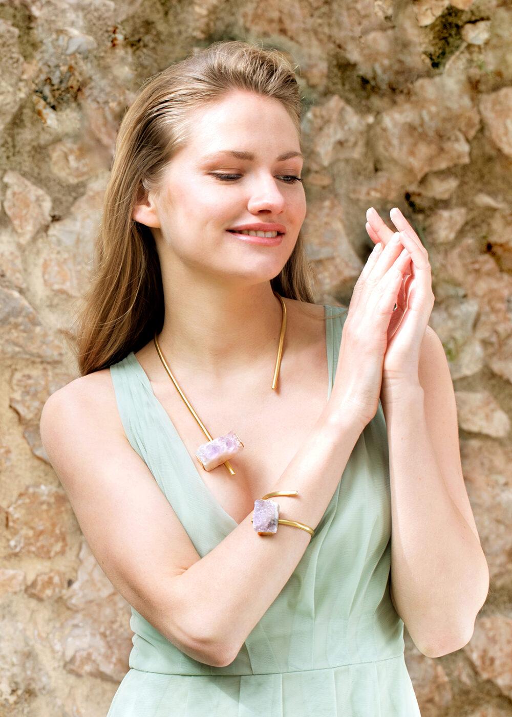 Nephele-Halskette-Armreif-gold-Amethyst-Model