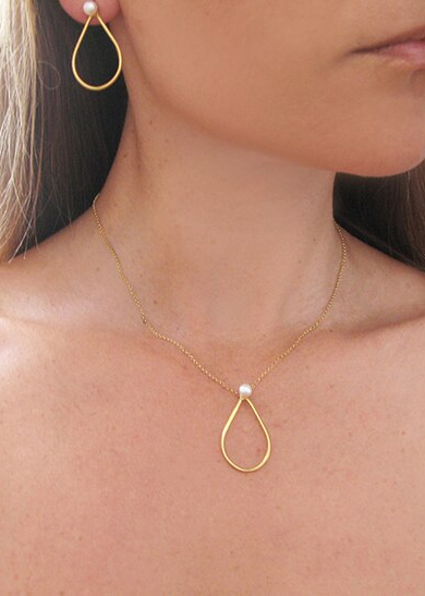 Sofia-Halskette-gold-Perle-Model