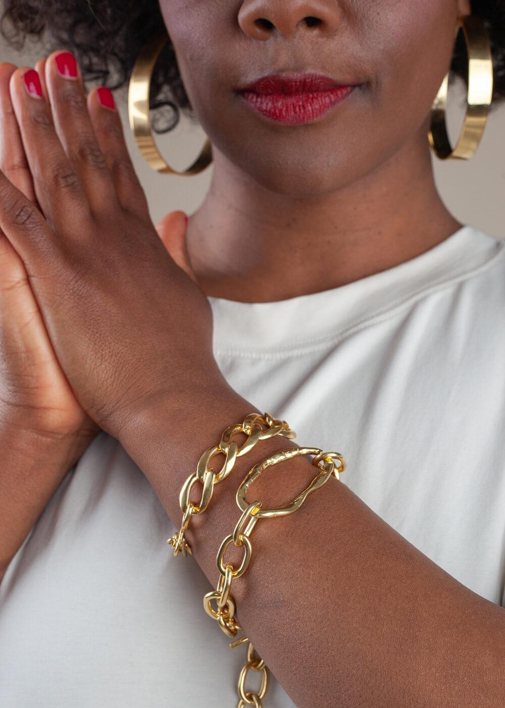 Denise-MBaye-Nika-Armband-gold